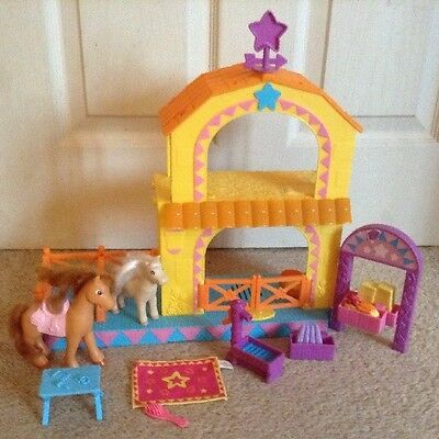 Rare Dora The Explorer Talking Pony Horse Stables With Horses & Accessories Toy