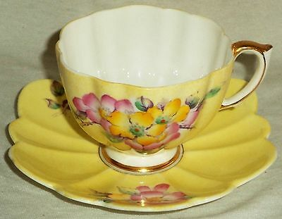 Paragon Cup & Saucer Art Deco Yellow Scalloped Flowers Gold Trim 1935 G4533/1