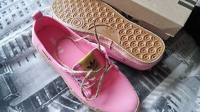 new ladies pink adidas boat shoes size 6
