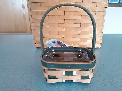Longaberger 2016 Green Christmas Holiday LIttle Gifts booking basket w/ prot NEW