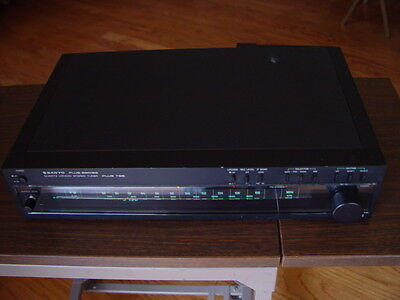 Sanyo Plus T35 Vintage Model FM Stereo/AM Tuner Tested Great Working Condition