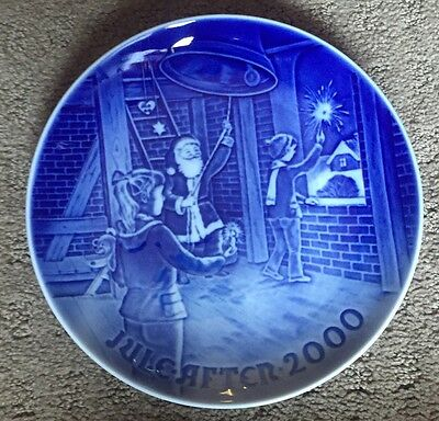 """Bing and Grondahl Christmas Plate - 2000 """"Christmas At The Bell Tower"""""""