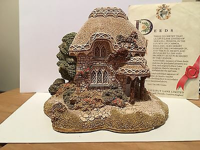 Lilliput Lane. Titmouse Cottage. Retired 1995. England Collection.