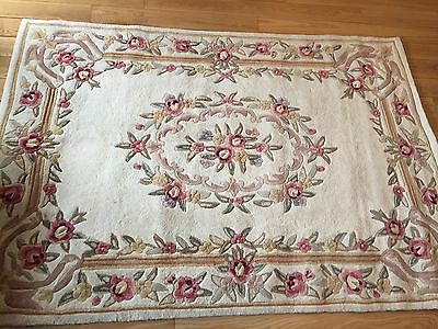 Beautiful Hand-tufted 100% Wool Ivory Flower Detail Rug 160x230cm