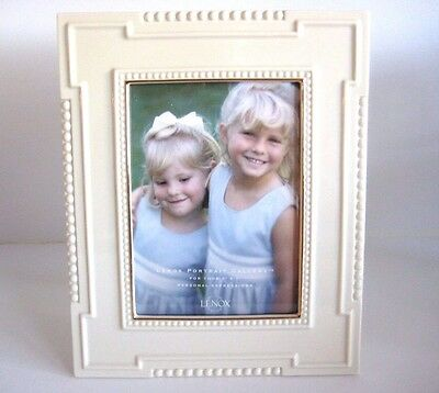 """NIB Lenox Portrait Gallery Personal Expressions Picture Frame 5"""" X 7"""""""