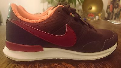 rare burgundy NIKE TRAINERS size 5.5 pumps gym work running apparel outfitters