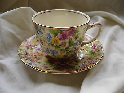 Vintage Pretty Royal Winton Bone China Tea Cup And Saucer In Floral Design