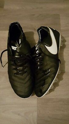 nike football boots size 8