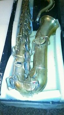 c melody saxophone carl fisher nyc  plays 8 notes ! Bues/King/Martin stencil?