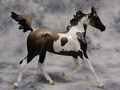Peter Stone * Christmas Party Hop * Arabian Yearling Traditional Model Horse