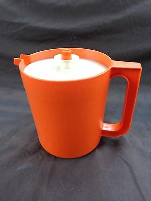 TUPPERWARE Orange 1 qt PITCHER with  Push Button Top #1575