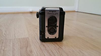 Vintage ARGUS-75-SEVENTY-FIVE-box Camera with Leather Case excellent condition