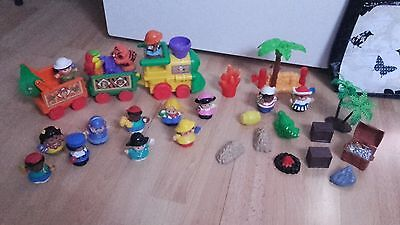 lot  little people fisher price : train sonore + pirates + personnages