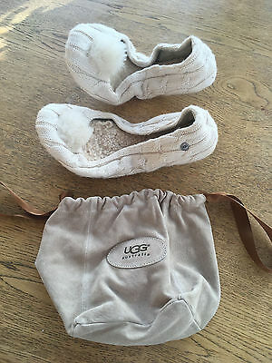 UGG-Off-White-Travel-Slippers-with-Suede-Travel-Pouch-Brand-UK 4