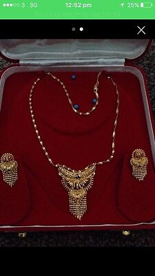22ct gold necklace set with matching earrings *Boxed*