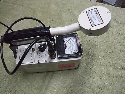 Ludlum/Biodex 14C Geiger counter survey meter with 44-9 probe