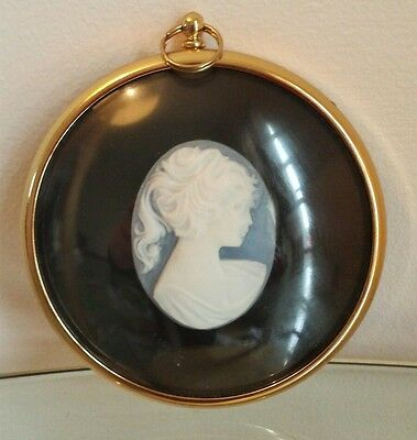 Collectable Cameo from the miniature world of Peter Bates
