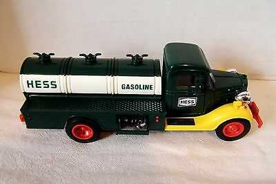 1982/1983 FIRST HESS TANKER TRUCK - EXCELLENT in BOX with INSERTS