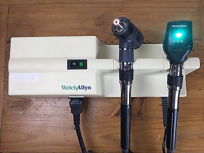 Welch Allyn Transformer 767 Otoscope 23810 Ophthalmoscope 11720 Diagnostic Set