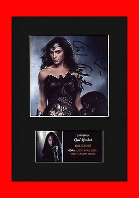 Gal Gadot Wonder Woman signed pre print mounted picture brand new sealed