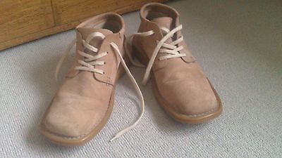 A Pair Of Men's Brown /Tan Tommy Hilfiger Shoes /Boots. 9.5