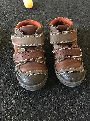 Boys Clarks Leather Boots Size 25