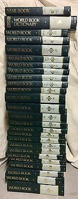 26 SET-World Book Encyclopedia 24 Volume Set/1 World Book Dictionary/1 Year Book