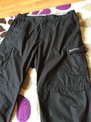 Black  Mans Mountain Warehouse Walking Zip Off Trousers Size 40