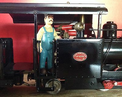Locomotive Driver Steam or Diesel Resin Figure Boxed - Garden Railway 16mm SM32