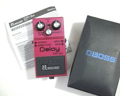 Boss DM-2W Waza Craft Delay - analogue - near mint, boxed w/ manual * * FREE P&P