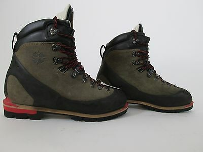 FitWell Backpacking and Mountaineering Boot, Mens 10.5 (44), EUC