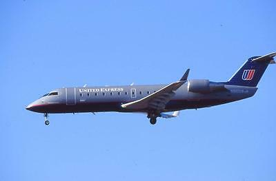 Original 35mm Aircraft Slide United Express Canadair CRJ-200ER N910SW LAX 10/02