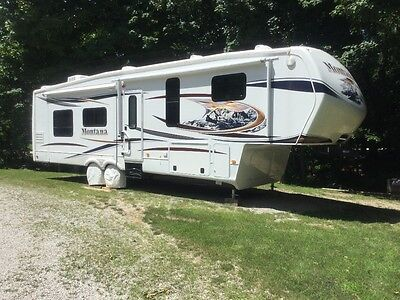 2012 Keystone Montana 5th Wheel Camper (Truck available  at an added cost)