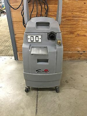 Carpet Cleaner Extractor/Upholstry Cleaner