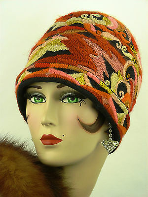 VINTAGE HAT ORIGINAL 1920s CLOCHE, EXTREMELY RARE, FELT WITH WOOLEN EMBROIDERY