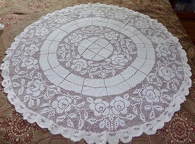 """Antique/vintage White Hand Crocheted Round Table Cloth 39"""" In Diameter"""