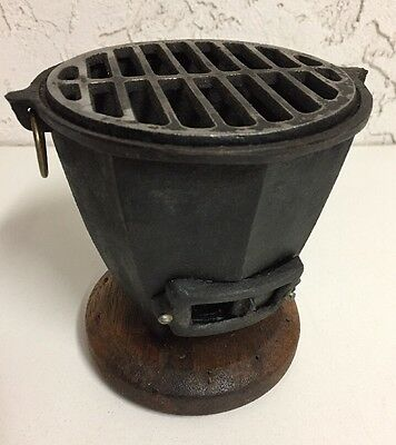 """Vintage 5"""" Mini Hibachi Cast Iron Tabletop BBQ Barbecue Charcoal Grill Japan"""