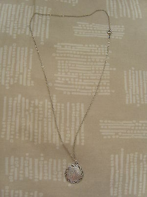 Sterling Silver Flower Disc Necklace ~ ~2Cm ~ In Excellent Condition