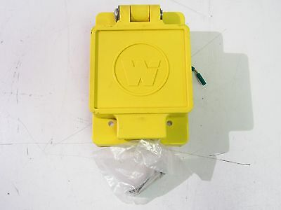 Woodhead 70-0210 Cover Flip Lid With Receptacle 15A 125V ***nnb***