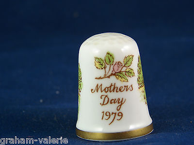 Collectable Thimble Mothers Day 1979 Bone China