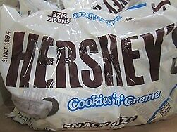 NEW Hershey's Cookies `n Creme  905g from Fairdinks