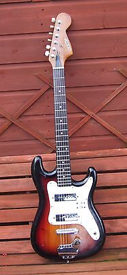 VINTAGE ELECTRIC GUITAR, SATELLITE, LATE 60's EARLY 70's 3/4 SIZE, A NICE ONE