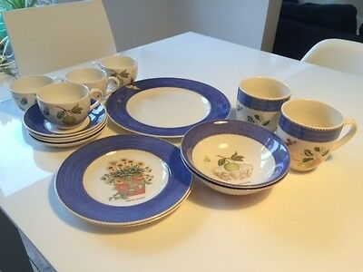 Wedgwood Sarahs Garden - selection of pieces - EXC CONDITION