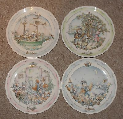Full Set Of Four Royal Doulton 'the Owl & The Pussycat' Plates