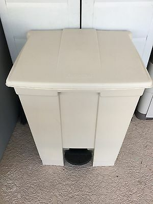 Rubbermaid 6145 Step-On Container 18 Gallon BioHazard Oily Waste Can,Hands Free