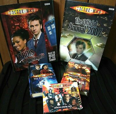 dr who manuals collector cards