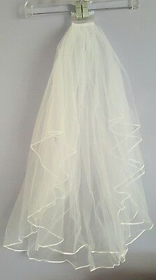 Beautiful 2 layer satin edged bridal wedding veil NWOT  w/comb Free shipping!