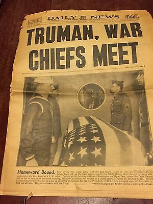 1945 NY DAILY NEWS April 14th HARRY TRUMAN Sees War Chiefs ROOSEVELT Death LOOK!