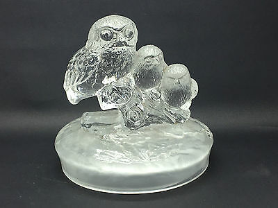 Lovely Crystal Glass Figurine of a group of Owls on a log