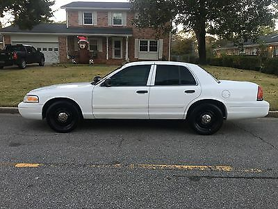 2010 Ford Crown Victoria  2010 FORD CROWN VICTORIA P-7B POLICE INTERCEPTOR